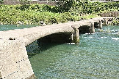 上岡沈下橋